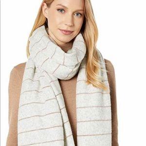 UGG Scarf Lurex stripped scarf!